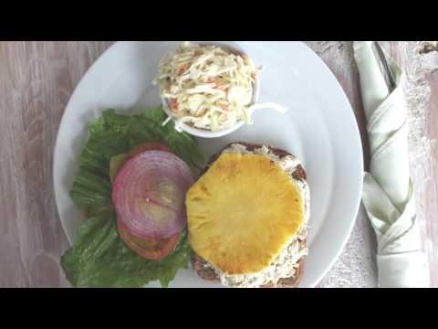 Fresh seafood, steaks and pastas / Waters Edge 12N Aruba - Restaurant & Bar -