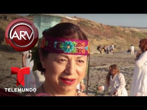 Mujeres llevan a cabo ritual de la luna para buena vibra | Al Rojo Vivo | Telemundo