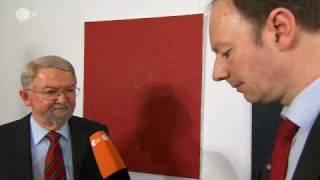 """Zdf heute-show vom 14.05.2010:martin sonneborn interviewt einen sprecher der lobby-vereinigung """"progenerika"""". das interview verläuft für den industrievertret..."""