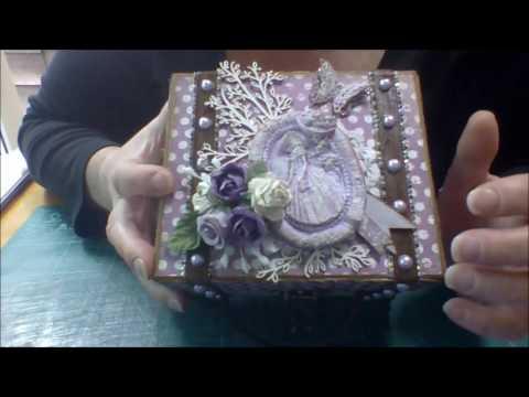 DT Project The Trinket Parlour Mini Suitcase