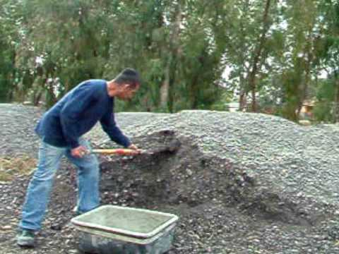 Road pothole repair (Spanish)