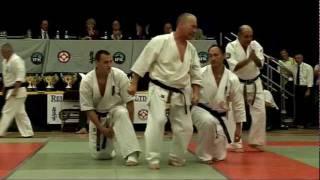 2008 Kyokushin Karate Hanshi Steve Arneil Kata Demo + Shihan Alex Kerrigan Baseball bat break