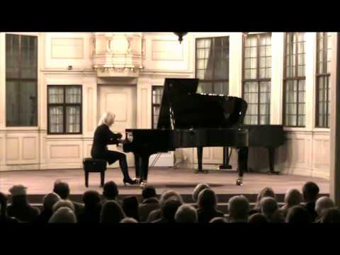 CATHERINE GORDELADZE plays F.Chopin-Walzer op.34, Nr.1