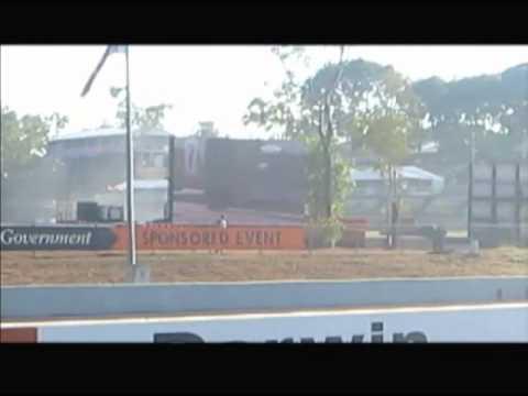 Hidden Valley V8 Supercar Support Race 3 Turn 1 Chaos 2011.wmv