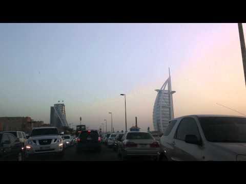 Mi viaje a Dubai (EUA) Umm Suqeim Beach. Buscando parking