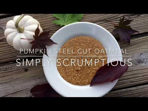 Pumpkin steel cut oatmeal {vegan} |Simply Scrumptious|