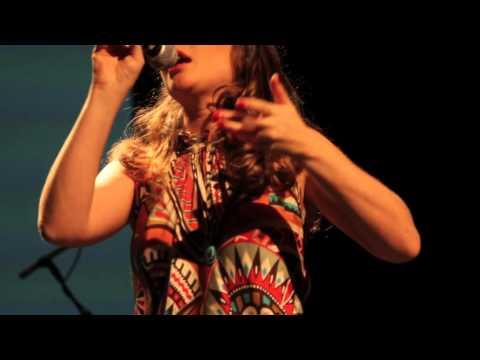 LUZIA - Luzia Dvorek e Carlinhos Brown- Pestaneja ao Vivo