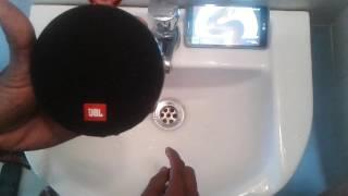 Video JBL CLIP 2 - Waterproof Test download MP3, 3GP, MP4, WEBM, AVI, FLV Desember 2017