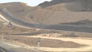 Israel Builds Fence Along Sinai Border