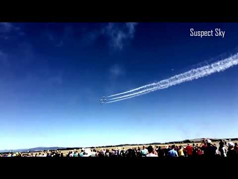 Bright UFO Caught During Airshow [SIGHTING]
