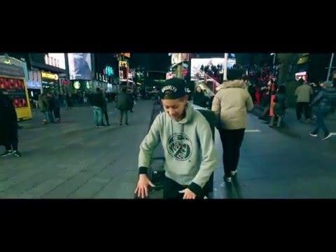 iPhone MetroGnome REMIX / EdeeT Ryusei Solo Move in Times Square NYC