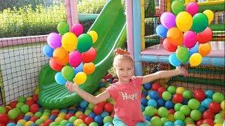 Learn colors Учим цвета с шариками Цвета на английском языке Видео для детей Мультики Melissa Tv