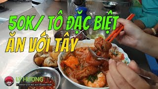 Ăn với TÂY BALO bánh canh cua chợ Nguyễn Tri Phương  |  Guide Saigon Food