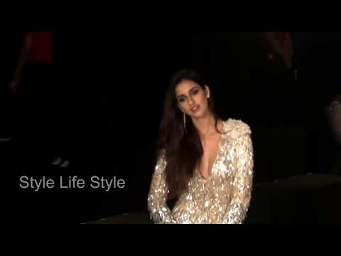 Disha Patani Oops Moment At Lakme Fashion Week 2017''Style Life Style