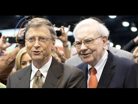 LIVE: Bill Gates, Warren buffet & NFL athletes  at 2017 NewsPaper toss