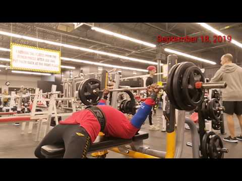 Bench Press Workout Pro Gym Montreal Quebec Canada Powerlifting Chest Fitness Gym Fit Training