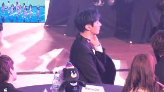 Wanna One reaction to MomoLand (AAA 2017)