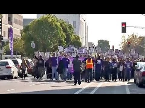 3000 Oakland SEIU1021 & IFPTE 21 City Workers Strike For A Contract