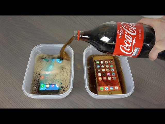 What happens if you pour coke on iPhones?[Video]