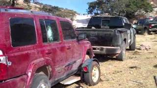 Repeat youtube video Decomisan arsenal y autos blindados