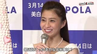 タレントとしても活躍中のキャスター、小林麻央さんが2010年3月1...