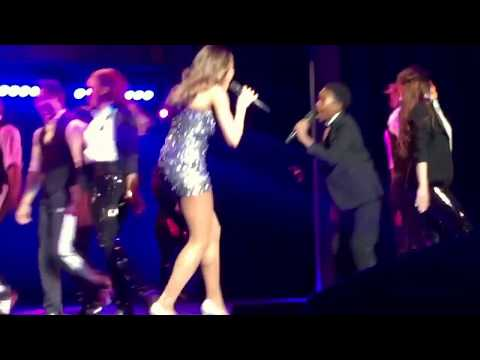 """Deborah Cox performs """"I Wanna Dance With Somebody"""" LIVE in The Bodyguard - San Diego"""