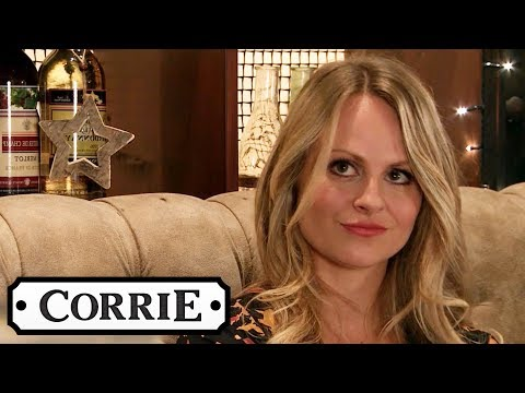 Maria Gets Jealous Of When Gary Keeps Staring At Sarah   Coronation Street