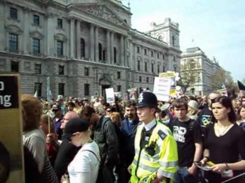 Protesto contra o uso de animais em laboratório - Pra Ver em Londres