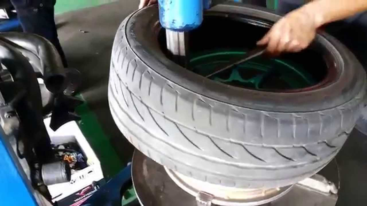how to change a tyre on a rim