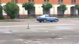 Repeat youtube video Addestramento guida polizia
