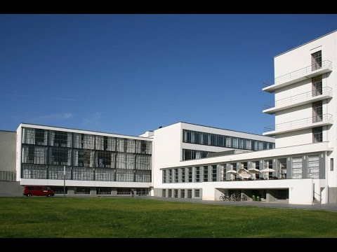 Bauhaus : A History Of Modern Architecture