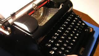 Typewriter Olympia Elite