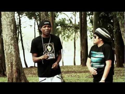 ELLA BUSCA • I-NESTA & MUOSES • BLACKLION (HD VIDEO OFICIAL)
