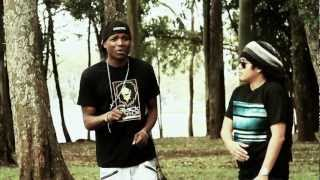 ELLA BUSCA • I-NESTA & MUOSES • BLACKLION (HD VIDEO OFICIAL)