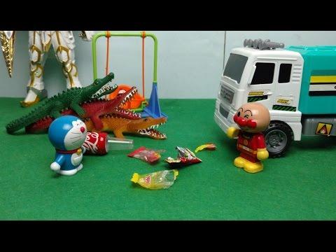đồ chơi Doremon chế hài - Chaien Nobita biến hình cá sấu quét rác cùng Anpanman - Doraemon toy