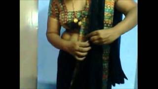 Download Video HOT TELUGU AUNTY FULL NUDE SEXY SAREE WEAR AND REMOVE MUST WATCH MP3 3GP MP4