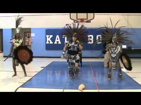 The second Danza Xochiquetzal performance at Kate Bond Elementary School.