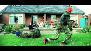 Repeat youtube video Mr. Polska feat. Ronnie Flex - Soldaatje (Prod. Boaz van de Beatz)