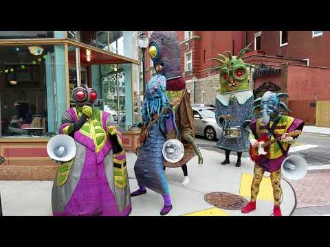 Hammer - What In The Absolute Hell Is This Alien Street Band?