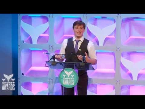 Thomas Sanders accepts the Vine Star of the Year Shorty Award, presented by Univision