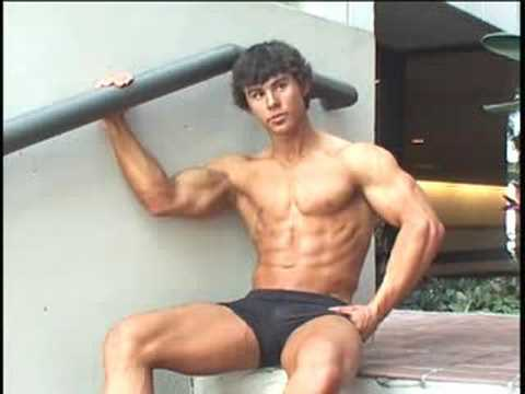 Bodybuilder Justin Rozon at 2008 Musclemania Universe