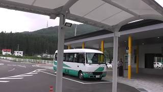 J R 奥津軽いまべつ駅  改札~ 外