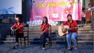 """Cho con - CLB Guitar - """"Ngày Hội Của Em"""" 01/06/2012 - CLB Tình nguyện Blouse Xanh"""
