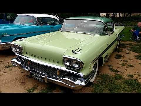 1958 BURMA GREEN BODY CALYPSO GREEN ROOF PONTIAC BONNEVILLE 2 DOOR SEDAN
