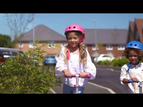 Globber ELITE LIGHTS foldable 3-wheel scooter kids 2018 film
