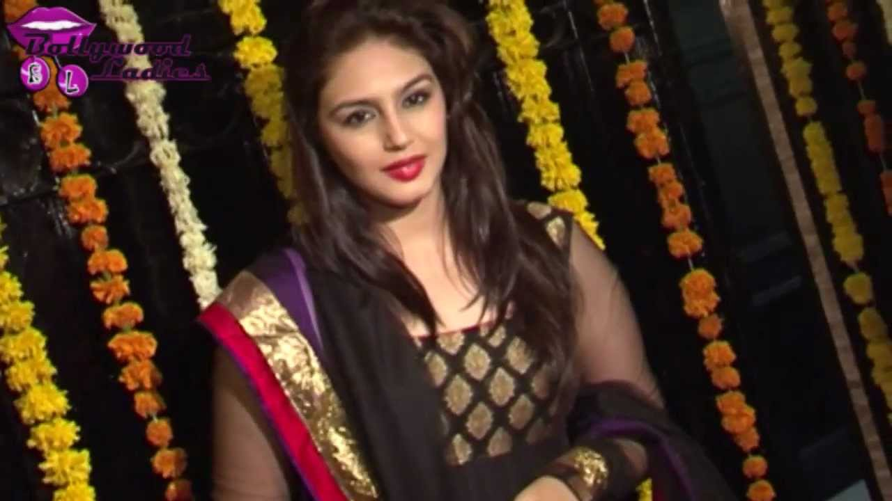 Huma Qureshi in Black Salwaar Kameez at Ekta Kapoor Diwali ...