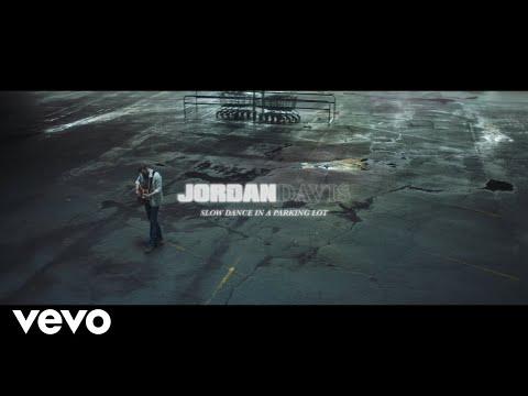 Смотреть клип Jordan Davis - Slow Dance In A Parking Lot
