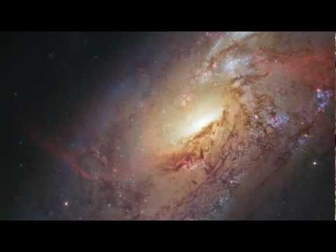 Zoom on M 106