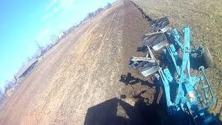 тракторист 80 уровня, вспашка земли трактором, как пахать землю, мтз 1221, плуг lemken