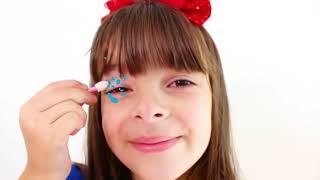 Laurinha e mamãe querem o mesmo vestido